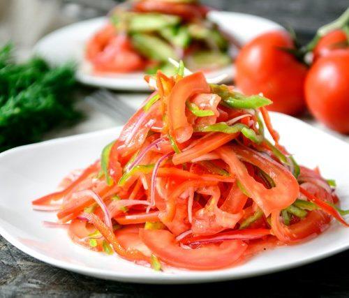 Ачик Чучук (томаты с обжигающим перчиком)