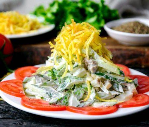 Дамский Каприз (казы,говядина,яйца,картофель,томаты,огурцы,салат и майонез)