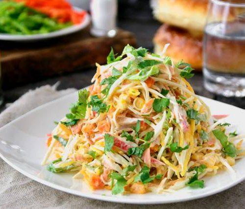 Крабовый (краб,яйца,пай,морковь,кукуруза,капуста,салат)