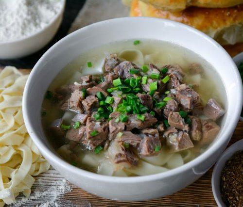 Нарын (лапша,мясо и лук в бульоне)