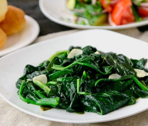 Пуат Сяй (горячий салат из шпината,чеснока на кунжутном масле)