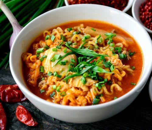 Рамён - острый суп ! (лапша,мясо,дайкон,яйцо и лук)