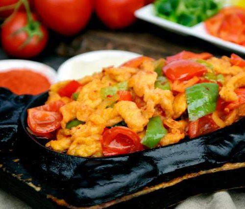 Тебян Джи (куриная грудка с овощами на жаровне)